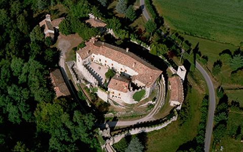 Castello di Arcano veduta aerea@ConsorzioSalvaguardia CastelliStoriciFriuli